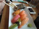 Mellan Sushi 12 rullar 85:-