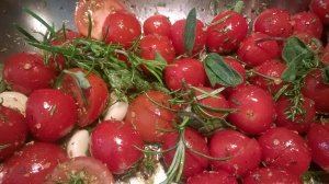 Ugnsbakade tomater örter